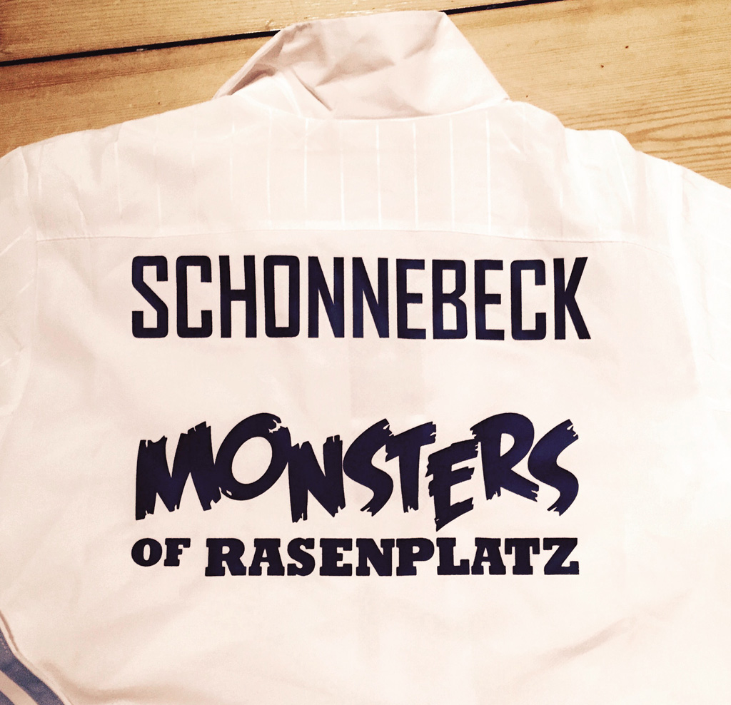 monsters-hinten